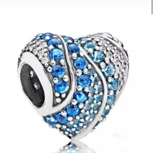 Jewelry - Beautiful blue rhinestone heart charm